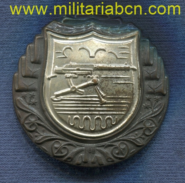 Militaria Barcelona czechoslovakia machine gun badge