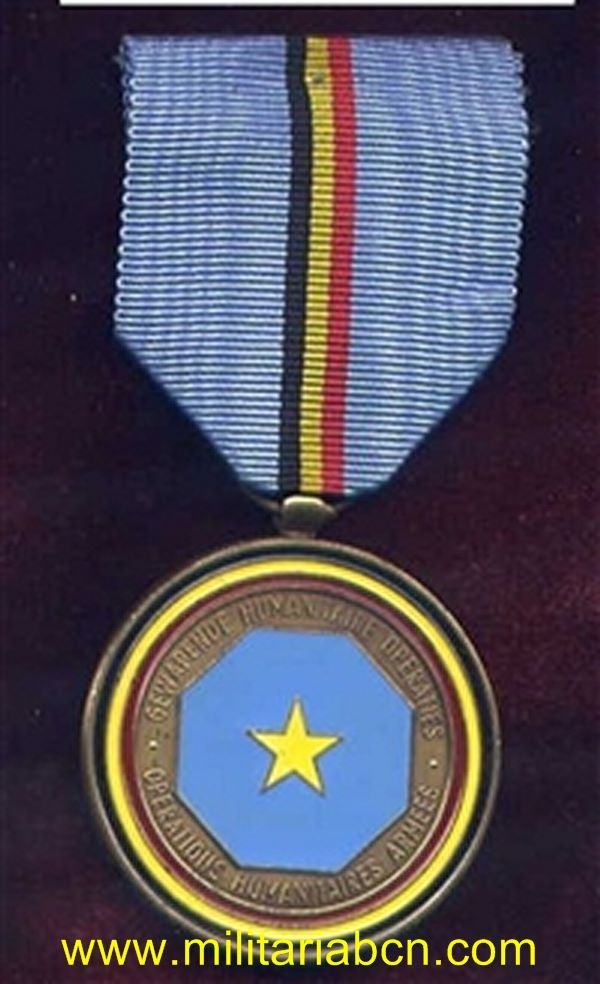 Militaria Barcelona belgique medaille operations humanitaires