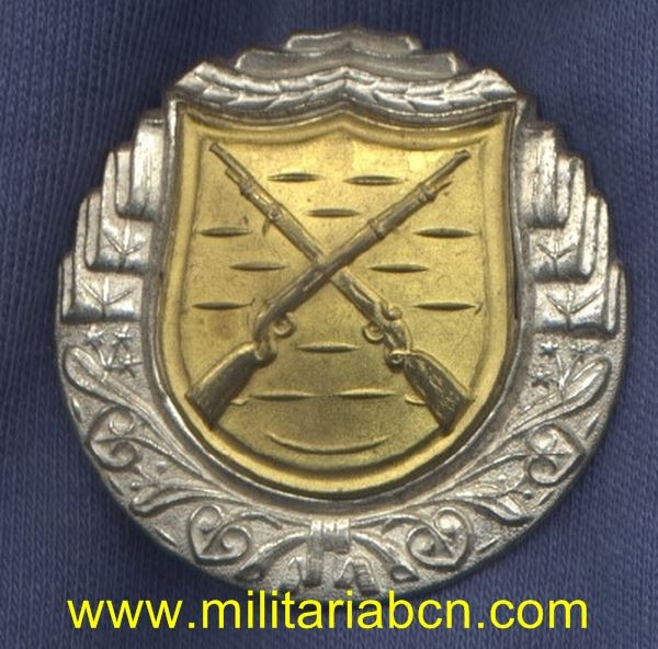 Militaria Barcelona czechoslovakia shooters badge