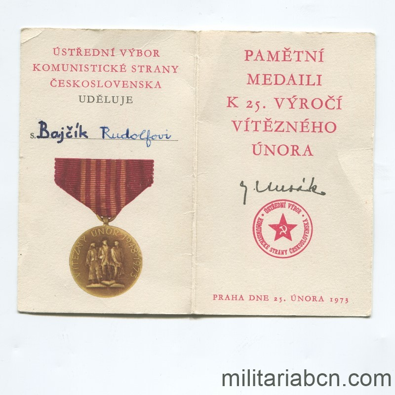 Militaria Barcelona Socialist Republic of Czechoslovakia. Medal of the 25th Anniversary of the Socialist Republic 1948-1973. With pin, box and award document Document