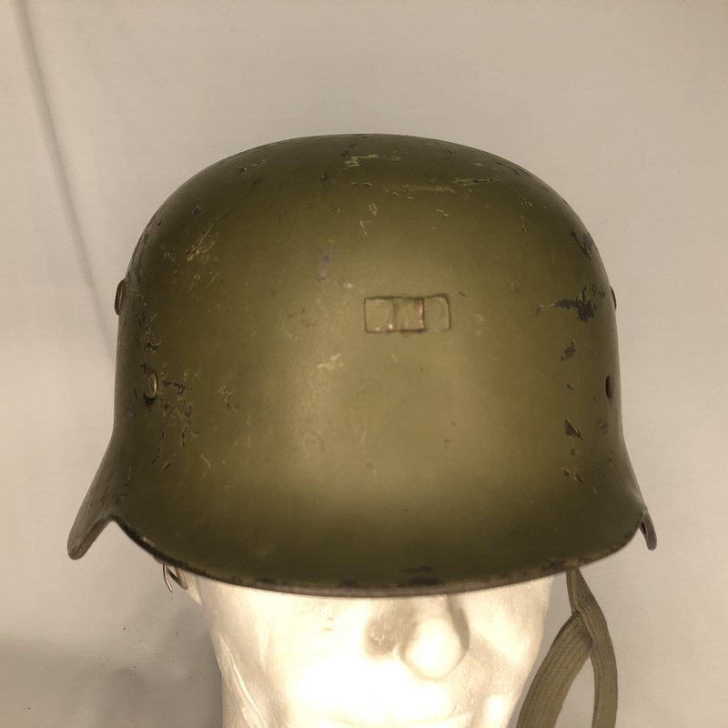 Militaria Barcelona Germany III Reich. M35 helmet with Spanish interior, 2nd model. It was ceded to Spain during the Civil War by the Condor Legion and later recovered by the Spanish Army. front