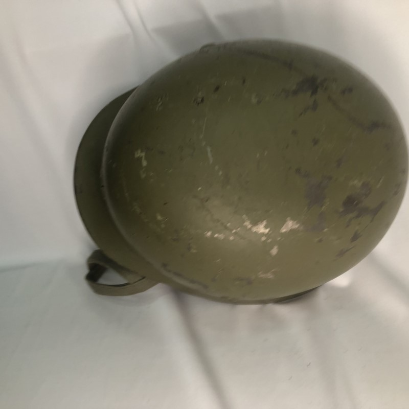 Militaria Barcelona Germany III Reich. M35 helmet with Spanish interior, 2nd model. It was ceded to Spain during the Civil War by the Condor Legion and later recovered by the Spanish Army. Top