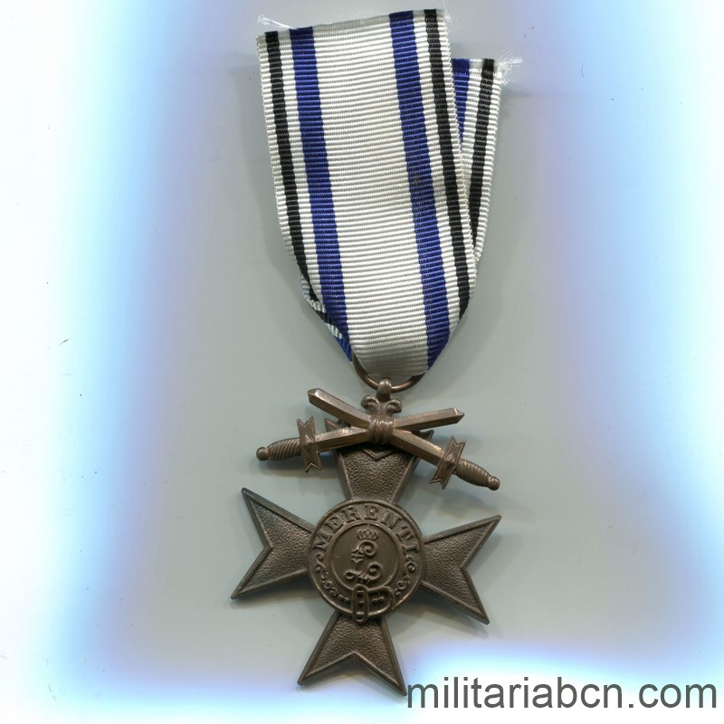 Militaria Barcelona Germany.  Bayern  Military Merit Cross.  2nd Class  With swords.  1st World War. ribbon