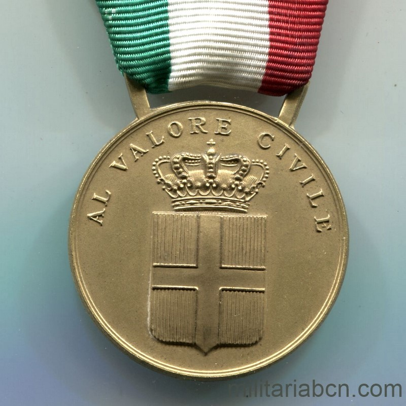 Militaria Barcelona Italy. Civil Valor Medal. Gold version .Period Vittorio Emanuele III.