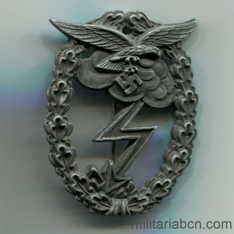 Militaria Barcelona Germany III Reich. Luftwaffe. Ground Assault Badge. Edrkampfabzeichen. Marked GH Osang Dresden.