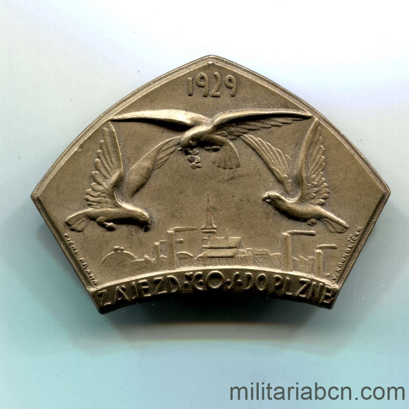 Militaria Barcelona Czechoslovak Republic.  1918-1938.  Sokol Badge of the Trip to Pilsen 1929