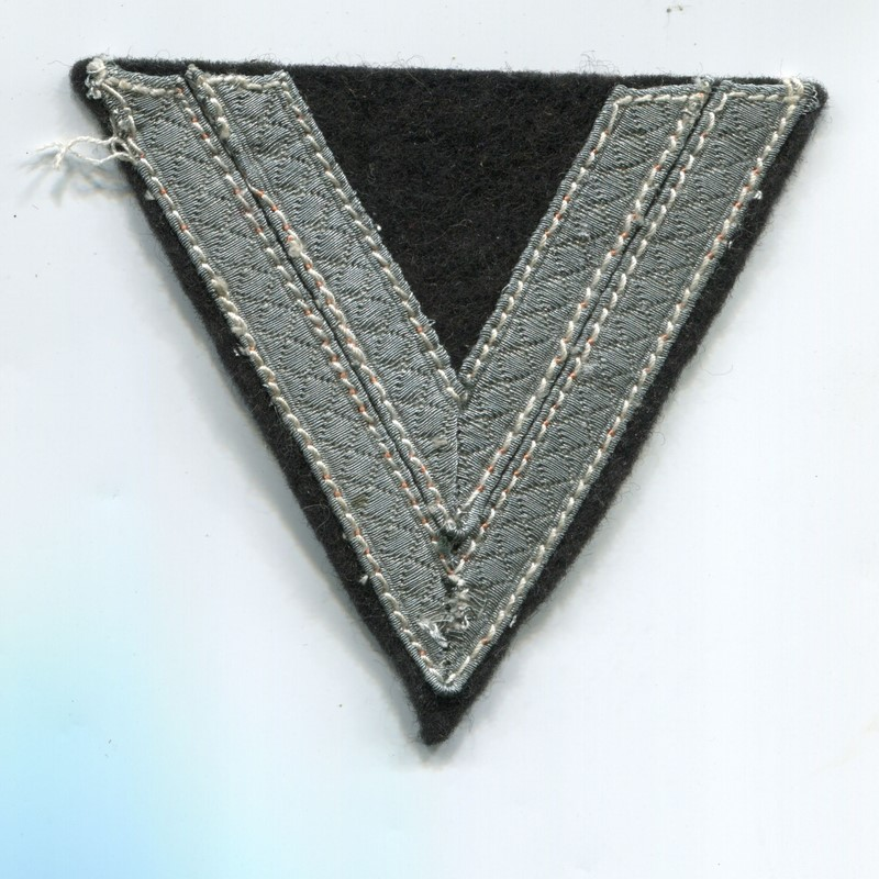 Militaria Barcelona. Germany III Reich. Wehrmacht Graduation Badge First Corporal Panzer Troops. Obergefreiter Armwinkel.
