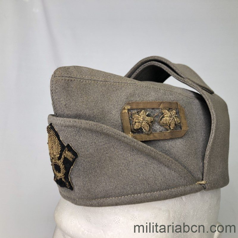 Militaria Barcelona Cap or Italian Bustina of Lieutenant Colonel of Infantry. Spanish Civil War and World War 2. Period Vittorio Emanuele III. Manufactured by L. Beretta & Co.