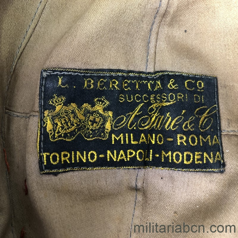 Militaria Barcelona Cap or Italian Bustina of Lieutenant Colonel of Infantry. Spanish Civil War and World War 2. Period Vittorio Emanuele III. Manufactured by L. Beretta & Co. inide label