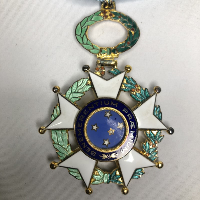 Militaria Barcelona Federative Republic of Brazil. Grand Officer's Breast badge and Cross of the Southern Cross. Model 1968. With box of origin. Made of silver by H. Stern. cross center back