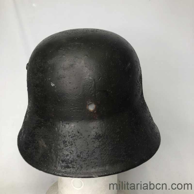 Militaria Barcelona  German Tanker helmet. Deutscher Stahlhelm, Typ M18 for Panzerfahrer. 1st World War.  Stahlhelm M18 ohne Vorderschirm.  Version for tank crew of the German helmet model 1918. back