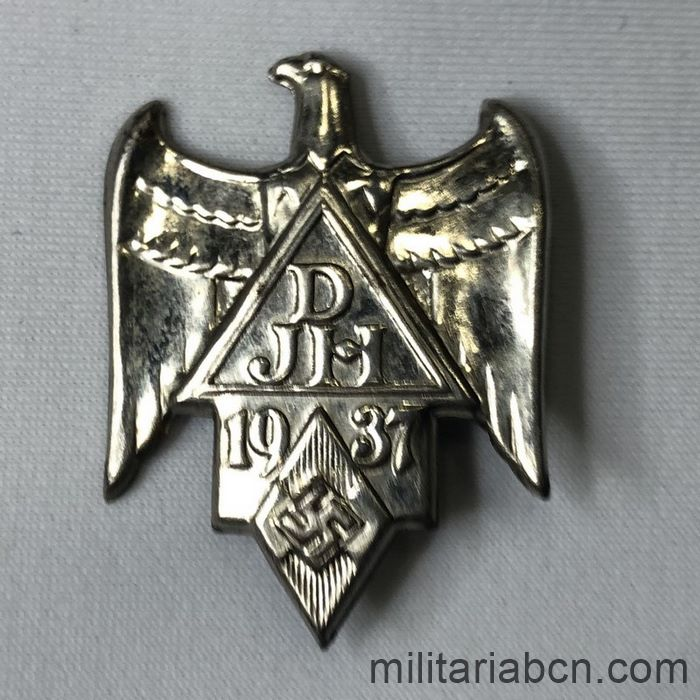 hitlerjugend badge 1937