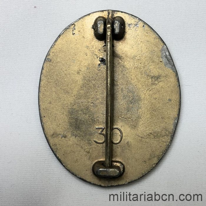 Germany III Reich. Gold Wounded Badge. Kriegsmetall. Verwundetenabzeichen 1939 in Gold. Marked with the number 30 of Hauptmunzamt, Wien back