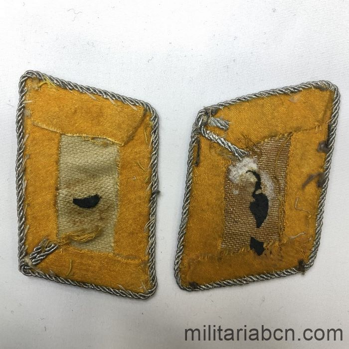 Germany III Reich. Pair of Luftwaffe Flight Staff Major collar badges. Luftwaffe Kragenspiegel für einen Major fliegende Truppe back