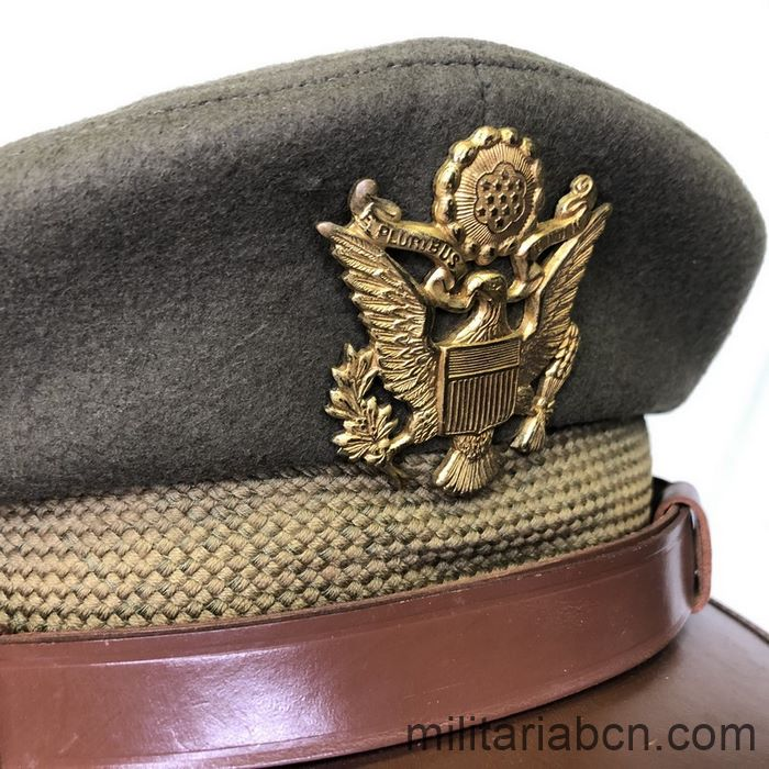 U.S. Army Officer's visor cap. Second World War. WW2. Complete, size 7 1/8. Badge