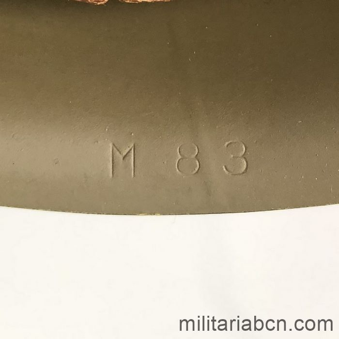 Italy. Postwar 1933 model helmet. Size 58. M83 marking. factory marking