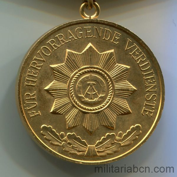 DDR Medal of Merit of Organs of the Ministry of the Interior. Gold version. Verdienstmedaille der Organe des Ministeriums des Innern