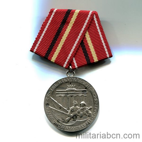 DDR Medal of Merit of the Combat Groups of the Working-Class. Silver version. Verdienstmedaille der Kampfgruppen der Arbeiterklasse ribbon