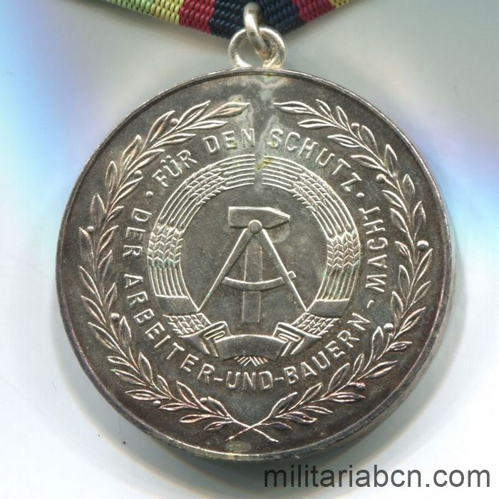 DDR. Medal For Faithful Service in the National People's Army NVA. Siver version. 100 years. Medaille für treue Dienste in der Nationalen Volksarmee. reverse