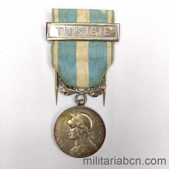 France. Colonial medal with Tunisie bar. Médaille Coloniale avec agrafe Tunisie